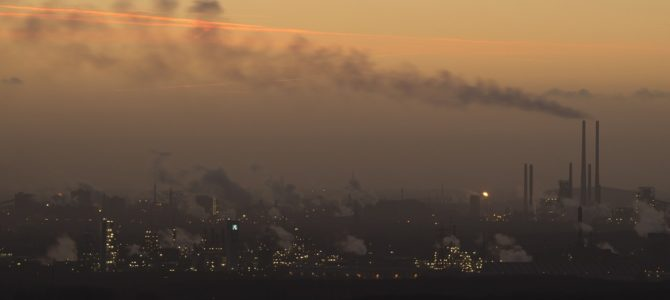 España celebra el nuevo acuerdo por el clima emitiendo más CO2
